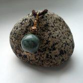 Алхимический нефрит: кулон на камне Пидана